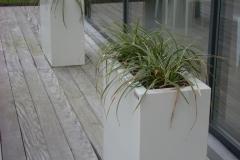 aluminium plantenbakken bij L'eau de Lo (2009) groot